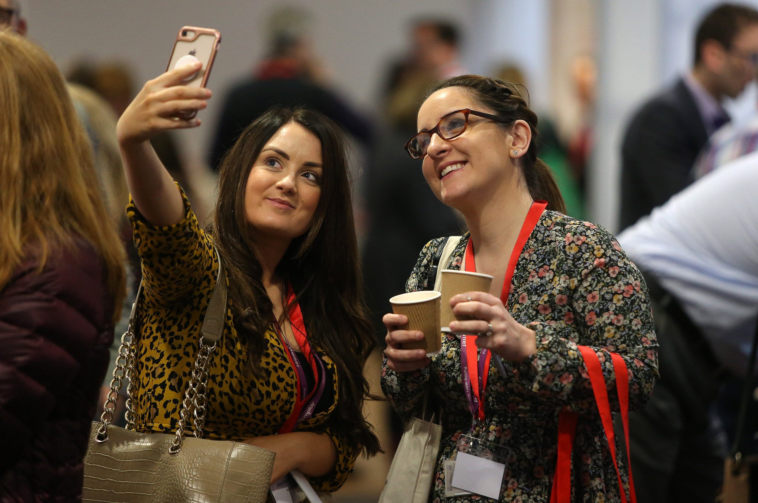 Two women taking a selfie at gofod3